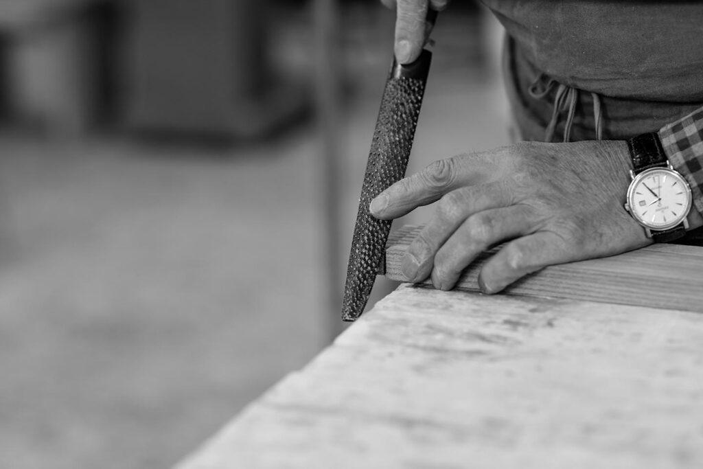 Holz Handarbeit Stoll Businessportrait Silbersalz Fotografie Suedtirol